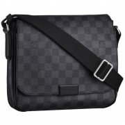 Louis Vuitton District PM Messenger bag